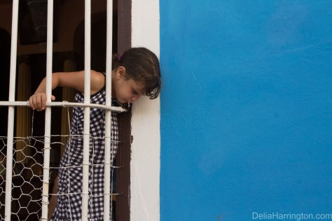 Spit trinidad cuba little girl travel street photography